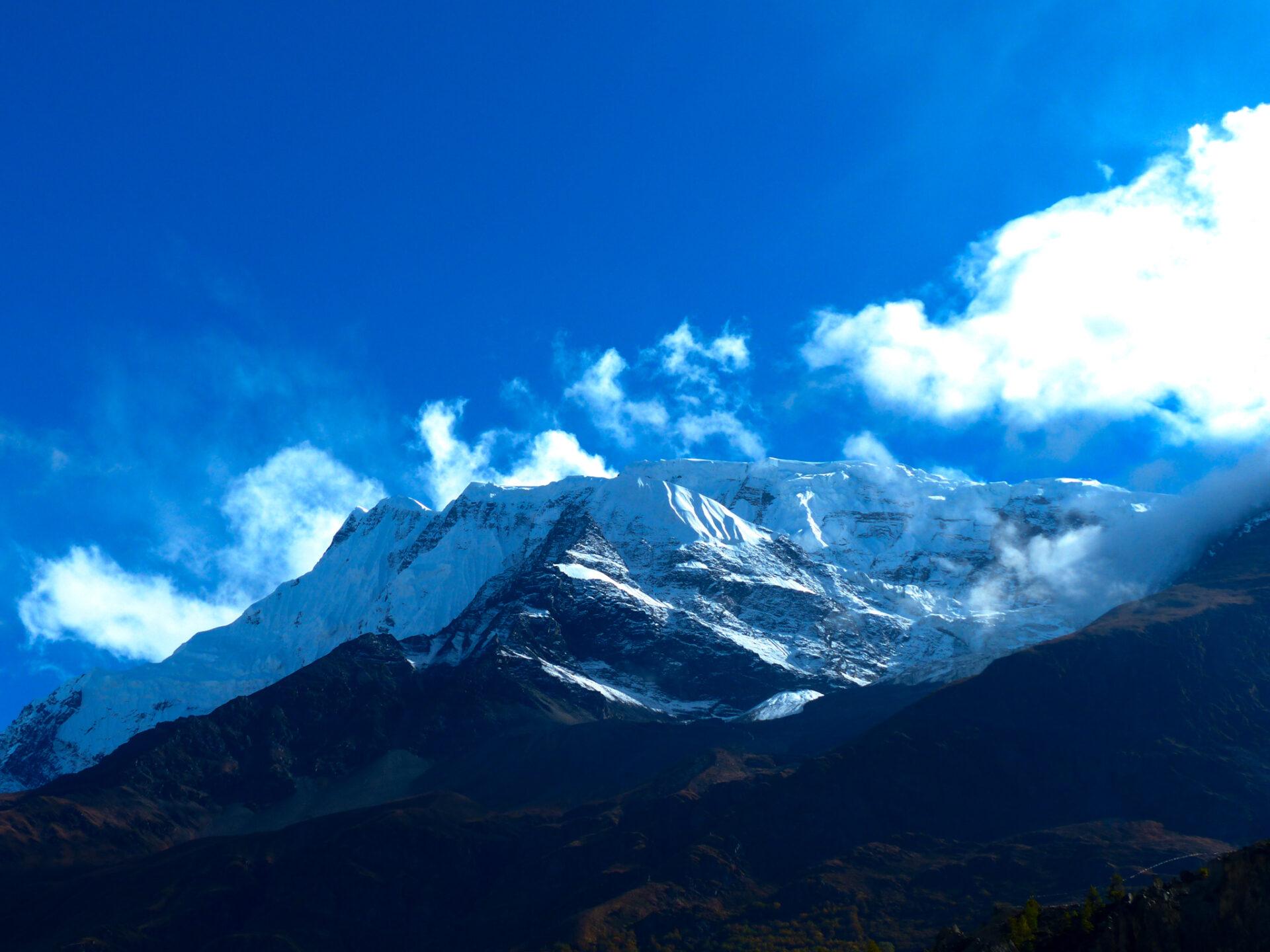 Les sommets de l'Annapurna enneigés